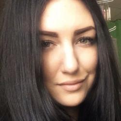 Moderator Alena